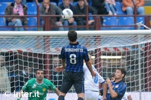 L'Inter ritrova la solidità di un tempo. Chievo battuto con il minimo sforzo