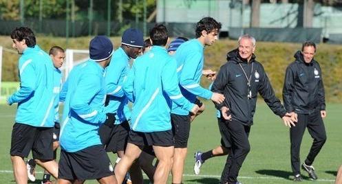 Ranieri festeggia con l'Inter: