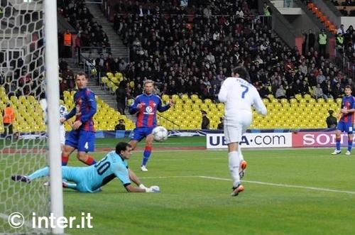 Rivivi le emozioni del 2011: Cska Mosca-Inter 2-3
