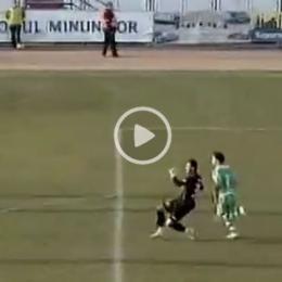 VIDEO: Come ti frego l'arbitro, ecco il portiere simulatore