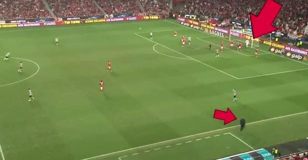 VIDEO: L'allenatore ordina, il portiere simula... esempio di alta antisportività
