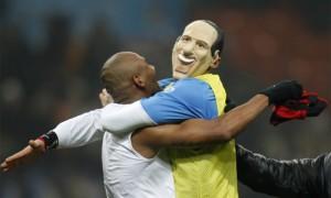 Inter-Milan 2-0 (24 gennaio 2010) - Materazzi maschera Berlusconi