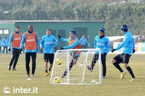 Verso Inter-Bologna, squadra di nuovo al lavoro. Sedute individuali per Samuel e Guarin