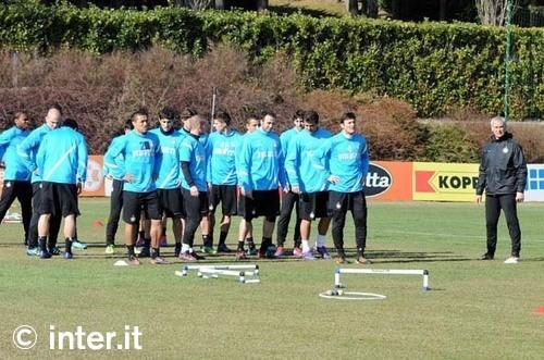 Verso Napoli-Inter: sedute di 'scarico' per Lucio e Samuel. Alvarez ancora a parte