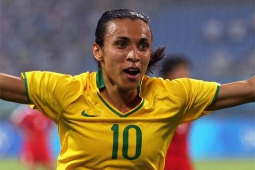 VIDEO - Prodezze al femminile: ecco Marta Vieira da Silva, la Regina del calcio