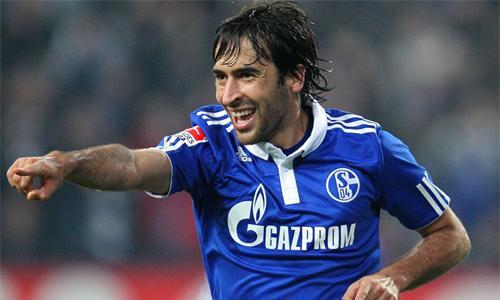 VIDEO - Raul non smette di segnare: gol spettacolare contro l'Hannover