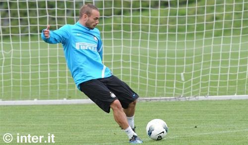 Appiano: penultimo allenamento in vista di Fiorentina-Inter. Sneijder e Maicon ok