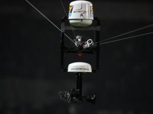 VIDEO - Incredibile!!! Portiere centra per due volte la spidercam in 30 secondi