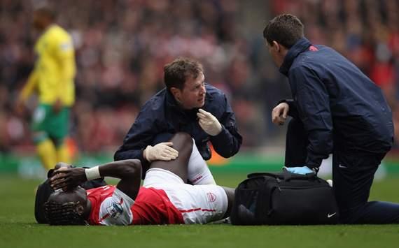 VIDEO - Brutto infortunio per Sagna in Arsenal-Norwich. Frattura al perone e addio Europei