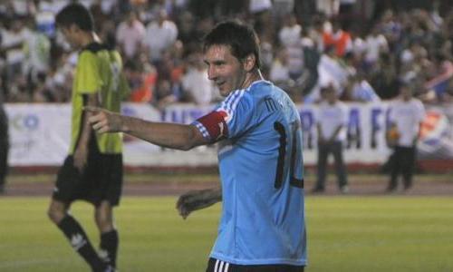 VIDEO - Messi e i suoi amici sfidano le stelle del Messico per beneficenza... ed è spettacolo!!!
