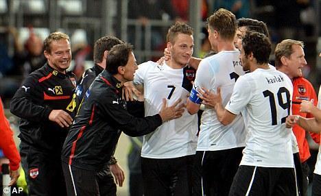 VIDEO - Super gol di Arnautovic, autore di una doppietta, in Austria-Ucraina 3-2