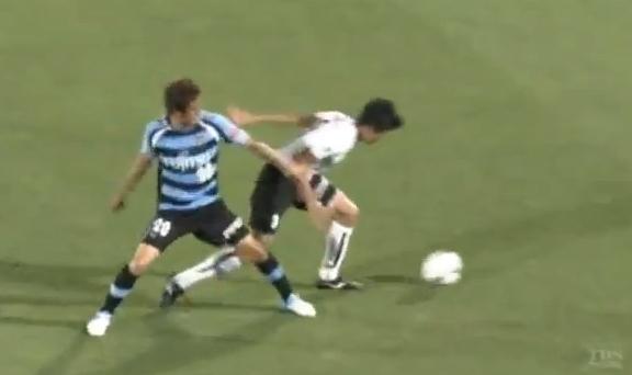VIDEO - In Giappone è già Balotelli-mania: il centravanti segna ed esulta come SuperMario