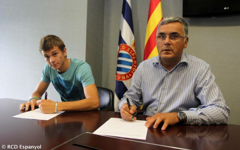 PHOTOGALLERY - Longo sbarca in Spagna: visite mediche e firma con l'Espanyol
