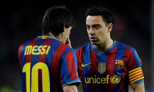 FOTO - Messi completamente ubriaco, interviene il capitano...