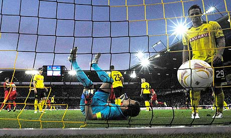 VIDEO - Europa League: autogol comico in Young Boys-Liverpool