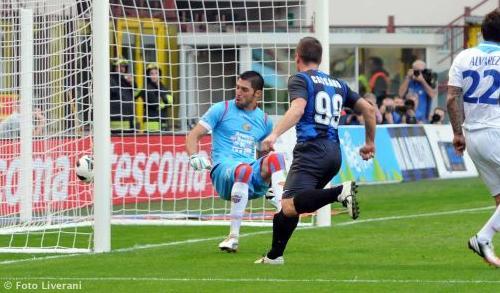 VIDEO - Un gol per tempo e l'Inter centra la quarta vittoria consecutiva in campionato