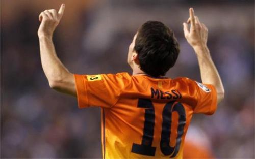 VIDEO - Festival del gol al Riazor tra Depor e Barça: finisce 5-4 per i blaugrana, trascinati da un super Messi