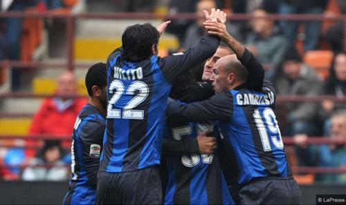 L'Inter ci prova in tutti i modi, ma non va oltre il pareggio con il Cagliari: è 2-2 a San Siro
