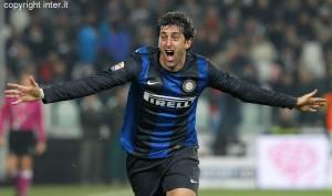 Milito Juventus-Inter esultanza