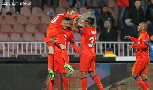 Inter, 10 e lode: Palacio e Guarin regalano il passaggio del turno