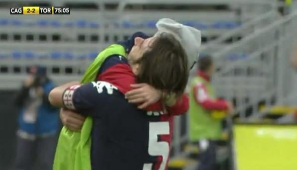 VIDEO - Emozione Conti: abbraccio con il figlio dopo il gol, poi dedica e commozione a fine partita