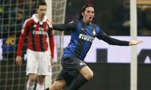 Schelotto esultanza derby Inter-Milan 1-1 (2)