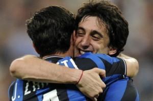 Zanetti Milito abbraccio