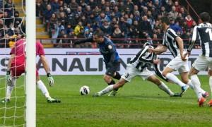 Inter-Juventus rigore Cassano