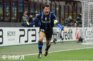 Inter-Tottenham gol Zanetti 2010