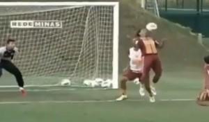 Ronaldinho rovesciata