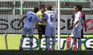 Cagliari-Inter proteste arbitro