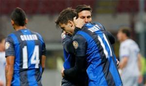 Inter-Atalanta abbraccio Zanetti Alvarez