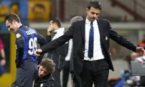 Inter infortunio Cassano Stramaccioni sconsolato
