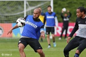 Inter allenamento 3 maggio 2013 Jonathan (10)