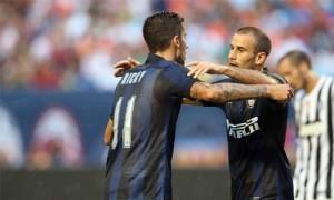 Alvarez Palacio abbracco Inter-Juventus