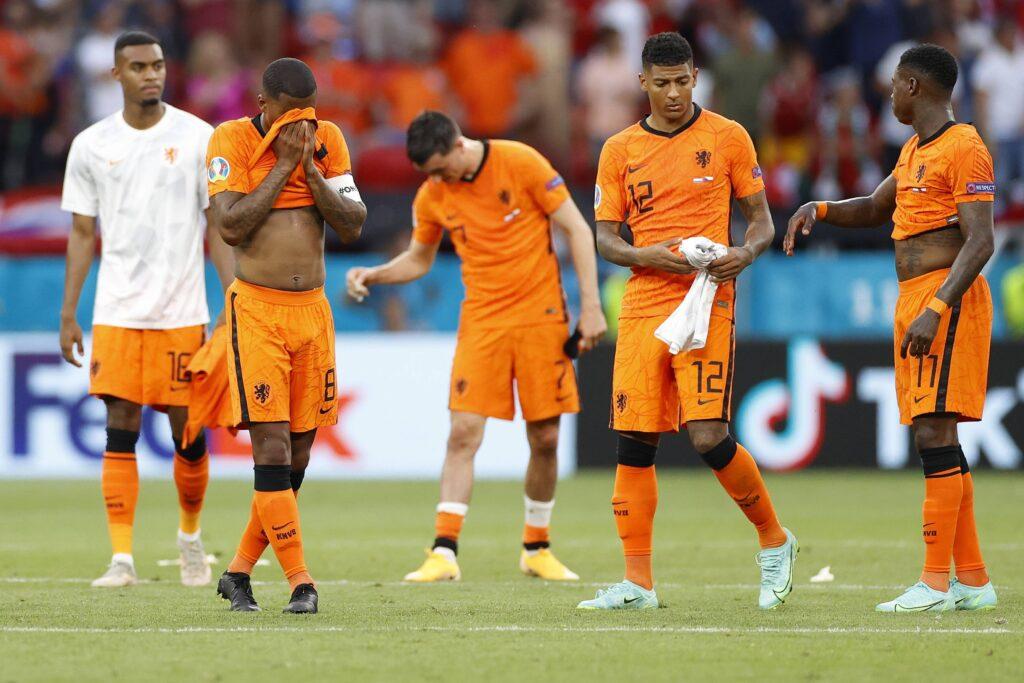 Sfuma definitivamente l'obiettivo per la fascia sinistra: giocherà al Galatasaray