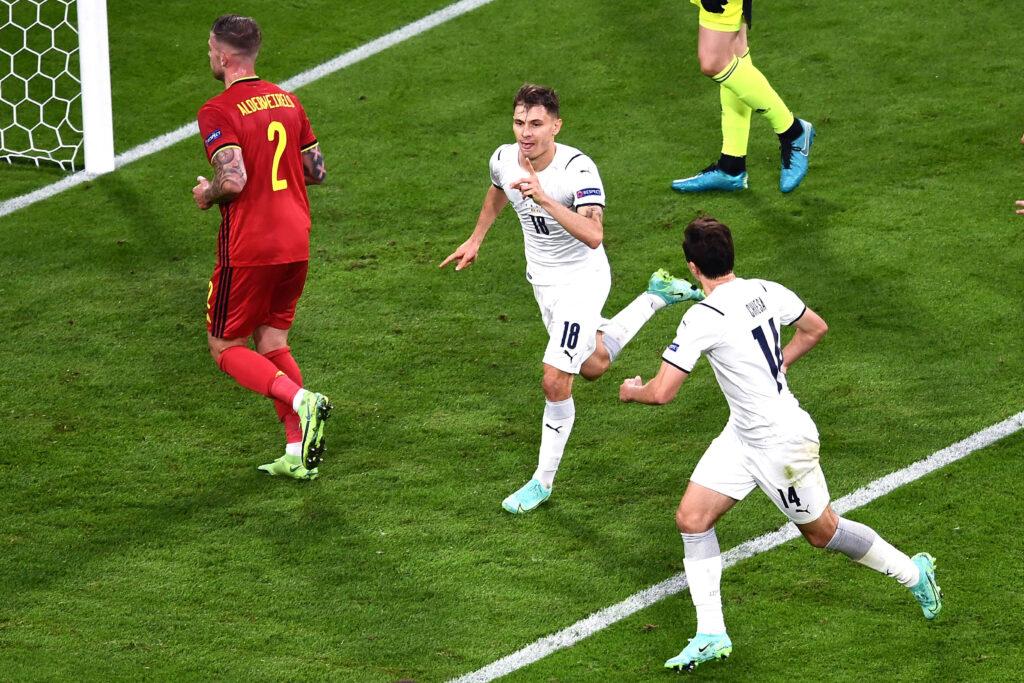 Barella celebra il suo gol al Belgio:
