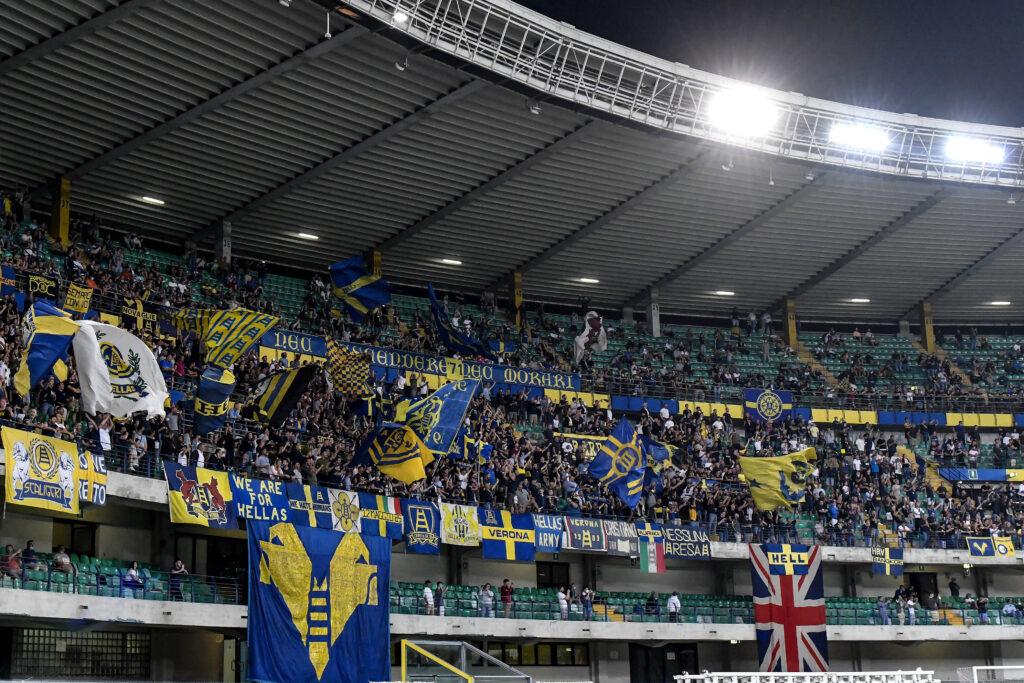 Verona-Inter, gli ultras picchiano il giornalista e suo figlio