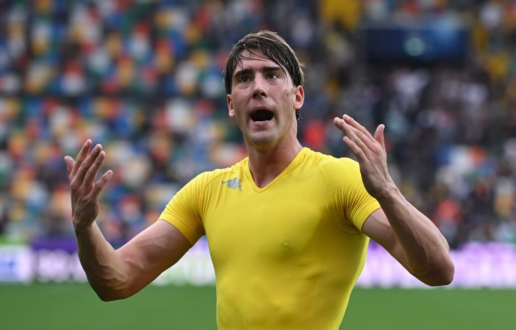 Vlahovic, problemi con Commisso: l'Inter ci spera
