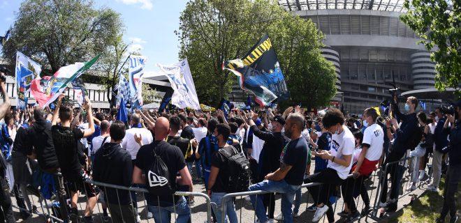 Mg Milano 08/05/2021 - campionato di calcio serie A / Inter-Sampdoria / foto Matteo Gribaudi/Image nella foto: tifosi Inter PUBLICATIONxNOTxINxITA