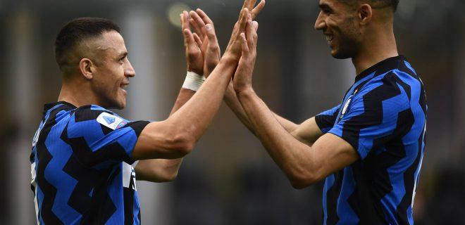 Milano 08/05/2021 - campionato di calcio serie A / Inter-Sampdoria / foto Image nella foto: esultanza gol Alexis Sanchez PUBLICATIONxNOTxINxITA