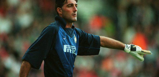 Gianluca Pagliuca Inter Milan 12 August 1998 PUBLICATIONxINxGERxSUIxAUTxONLY Copyright: MaryxEvansxAllstarxDavidxDavies 12131430 editorial use only