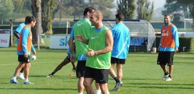 Allenamento Sneijder recupera (2)