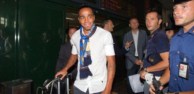 Alvaro Pereira arrivo Milano Malpensa