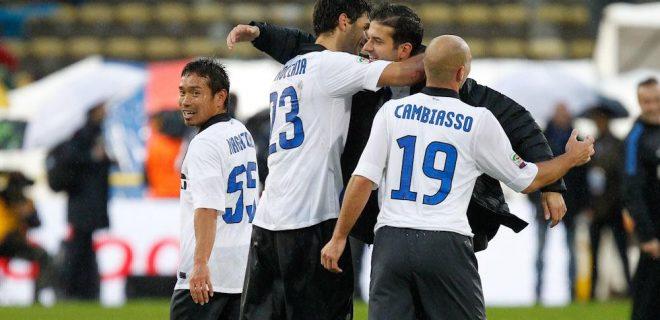 Bologna-Inter 14 abbraccio Strama Cambiasso Nagatomo Ranocchia