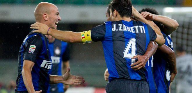 Cambiasso Zanetti esultanza gol Chievo-Inter