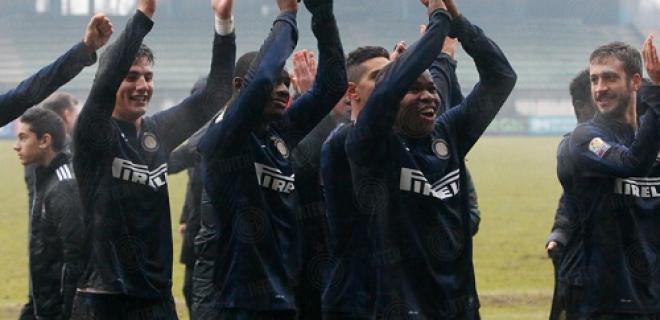 Derby Primavera Inter-Milan esultanza squadra