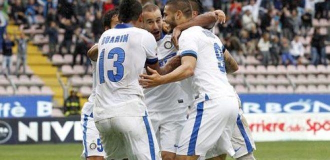 Esultanza squadra Inter-Cagliari