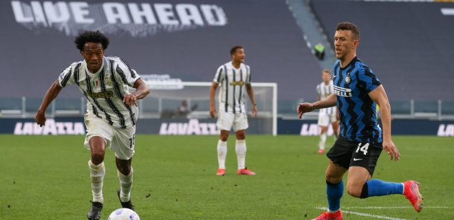 Turin, Italy, 15th May 2021. Juan Cuadrado of Juventus takes on Ivan Perisic of Internazionale during the Serie A match at Allianz Stadium, Turin. Picture credit should read: Jonathan Moscrop / Sportimage PUBLICATIONxNOTxINxUK SPI-1050-0056