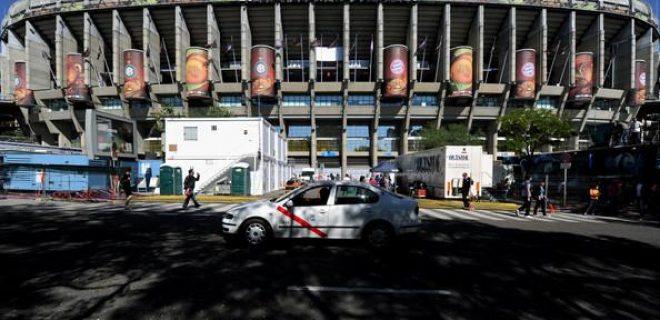 Final Madrid 2010 Santiago Bernabeu (esterno)
